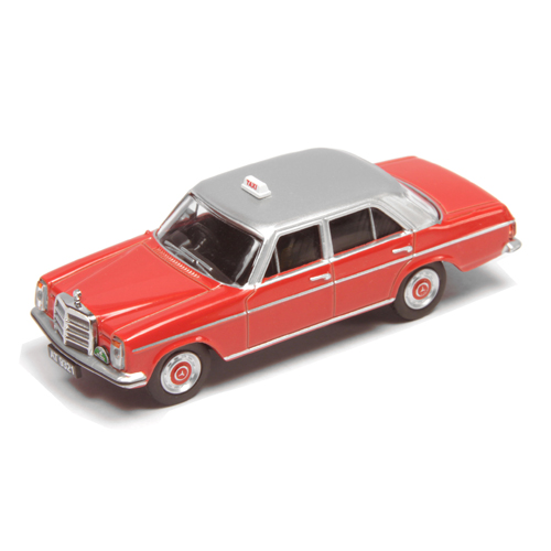 Schuco Mercedes-BenZ 200D HK Taxi Red/Silver HK Exclusives