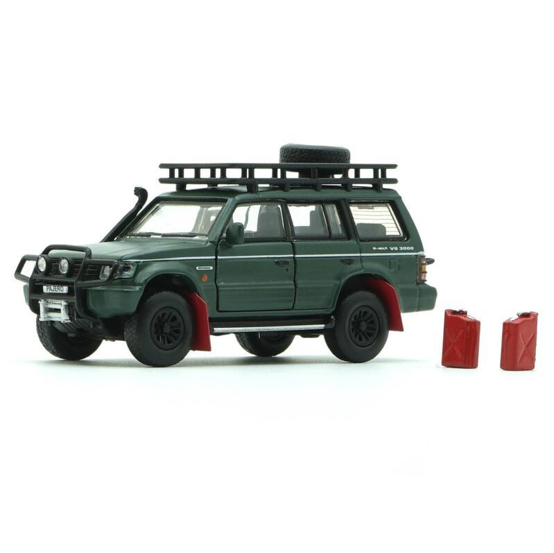 BM Creatio Mitsubishi Pajero 2nd Gen Jungle Pack Matte Green RHD