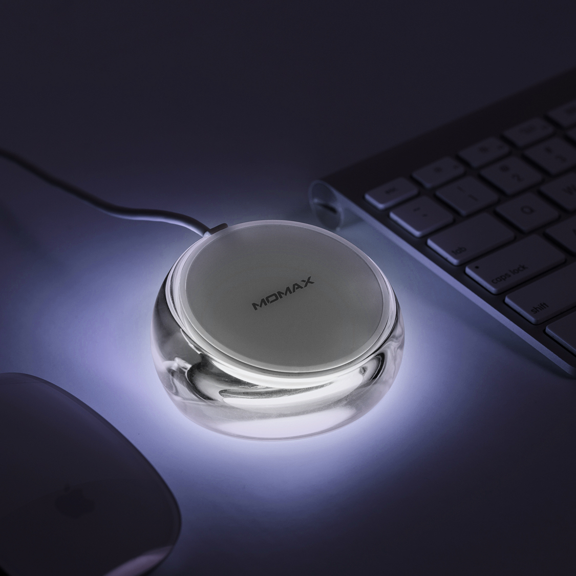 MOMAX Q.DOCK CRYSTAL Fast Wireless Charger LED Indicator